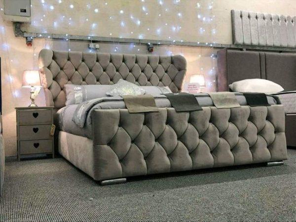 Postel Crown Luxusní postele Casanova